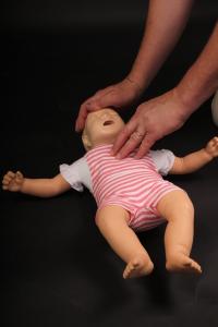 hjärtstartare HLR-utbildning barn